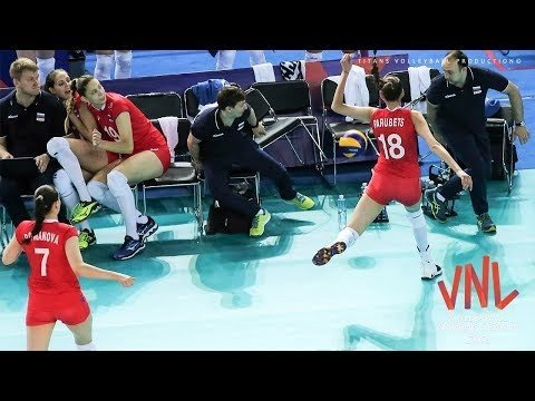 Women's Volleyball CRASH | VNL 2018