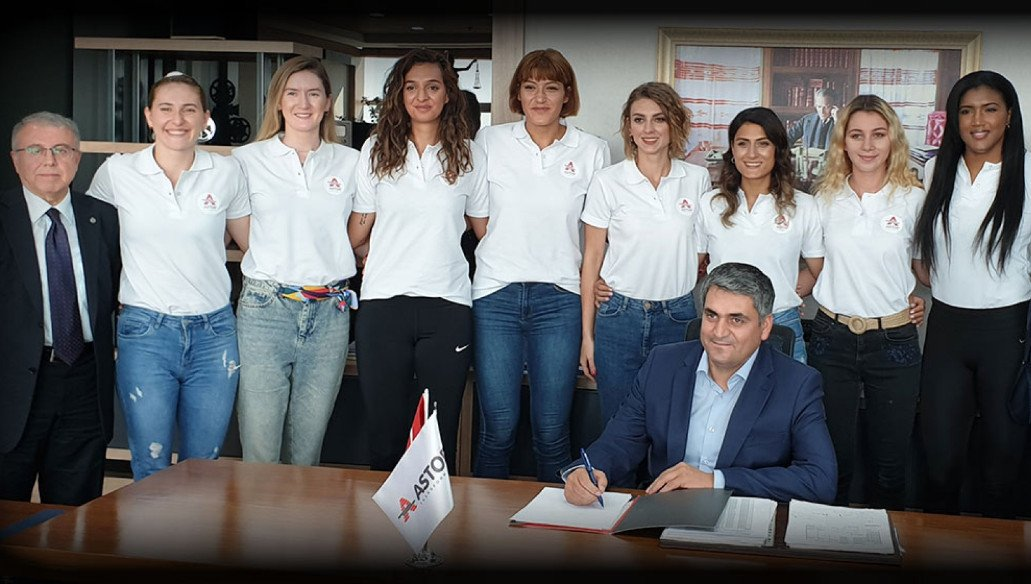 ASTOR VOLLEYBALL CLUB OF ANKARA SIGNED WITH 8 PLAYERS IN A ROW!