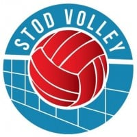 Women Stod Volley